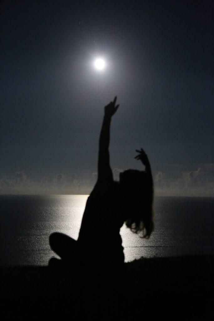 石垣島久宇良 月 月光浴 流れ星の丘