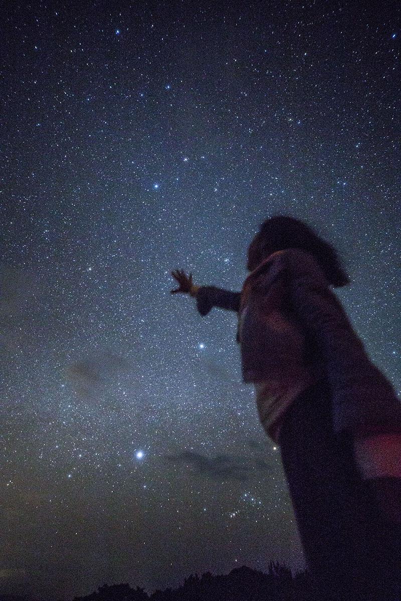 石垣島星空ツアー星に手が届く